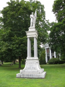 Civil_War_Memorial_at_Monument_Park_Greenwich_NY_Aug_09